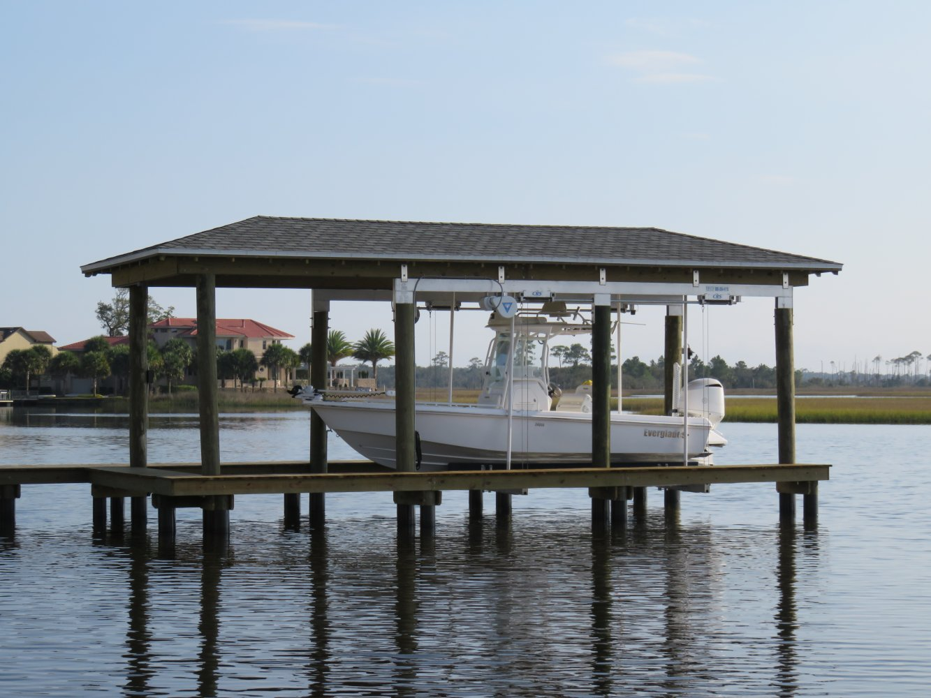 10,000 lb Custom DECO Boathouse Lift with CRS & Roof Tabs 6-Piling
