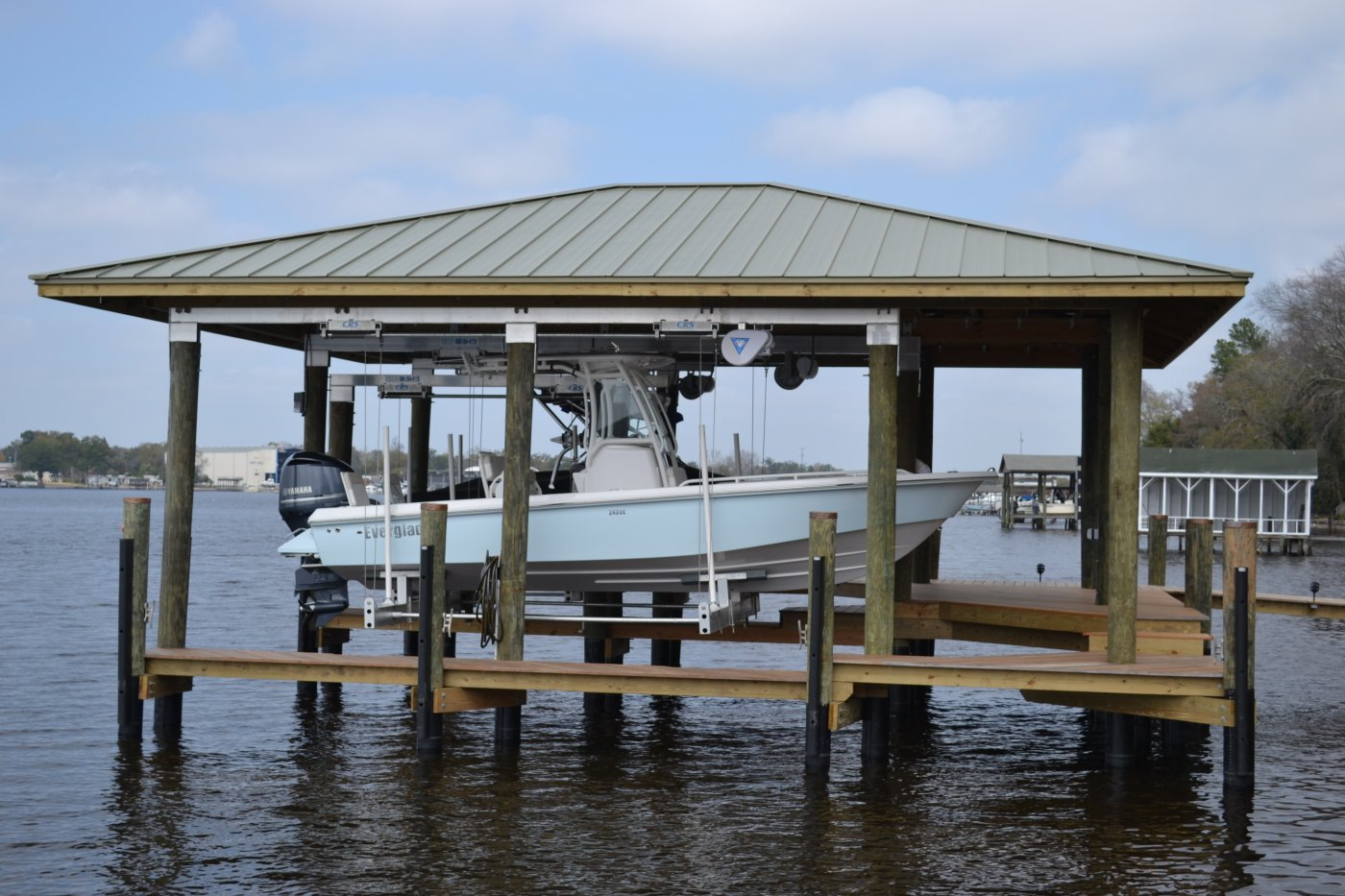 10,000 lb DECO Boathouse Lift with CRS & Roof Tabs