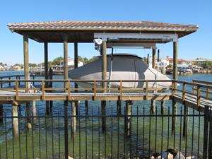 boat lift Biloxi