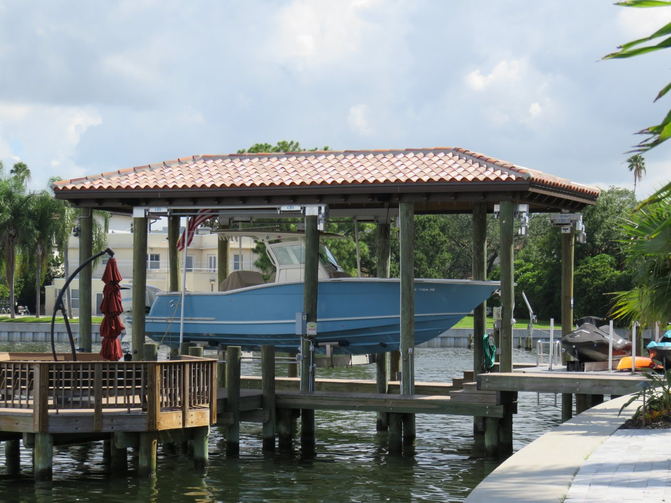 16K Concept CRS Boathouse Lift with Roof Tabs 4-Piling