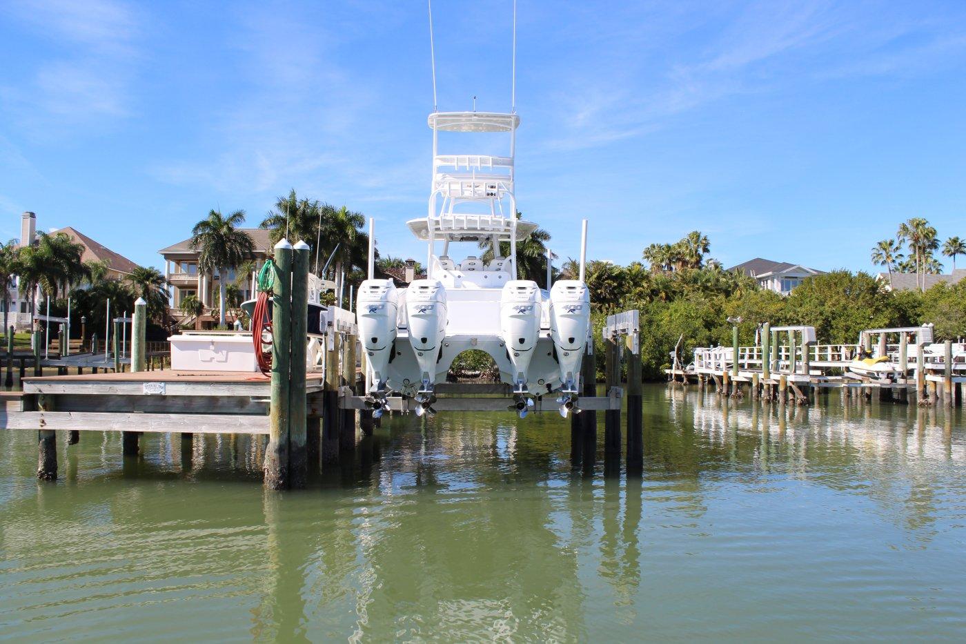 8-pole 25,000 lb Concept CRS Lift 8-Piling