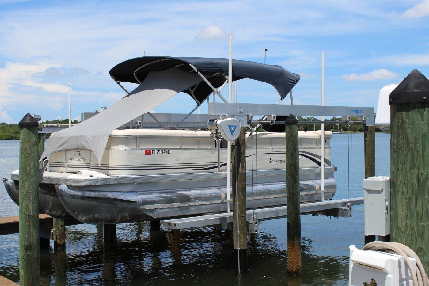 DECO Lift | DECO Boat Lifts