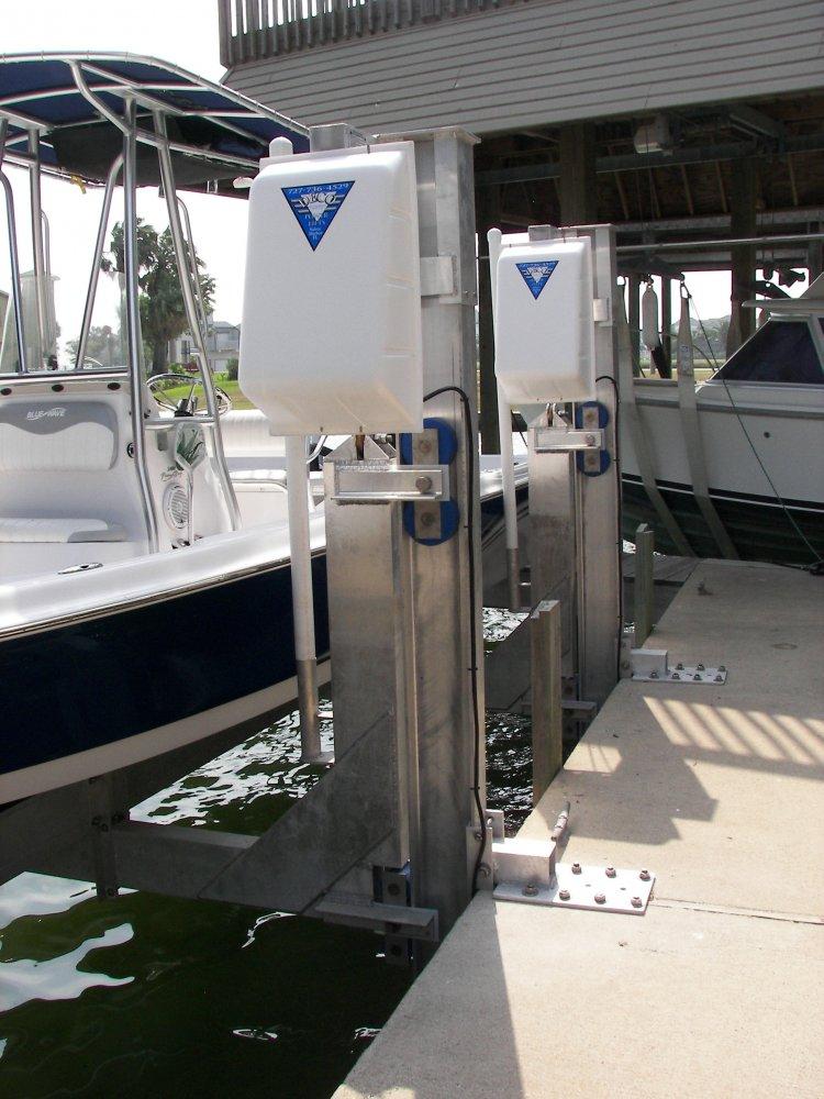 6,000 lb Vertical Maxi Elevator Seawall Mount