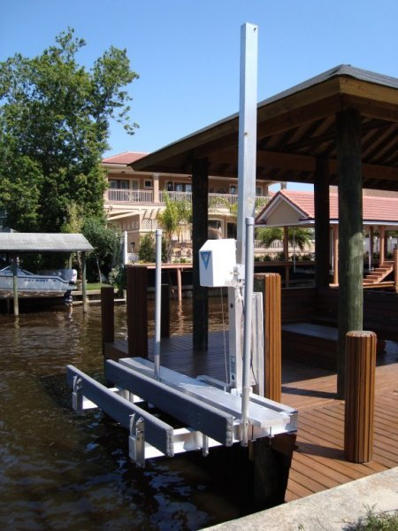 1,500 lb PWC Stationary Lift with Walkway