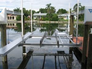Pontoon Boat Lift Mandeville LA